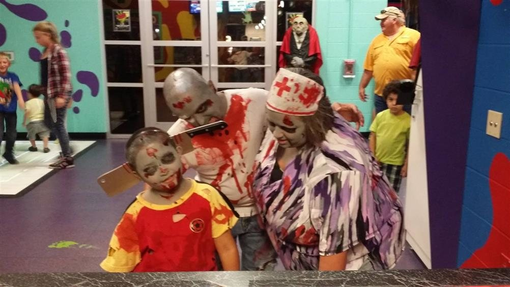 Zombie Quest At Putt Putt Fun House Texas Haunted Houses