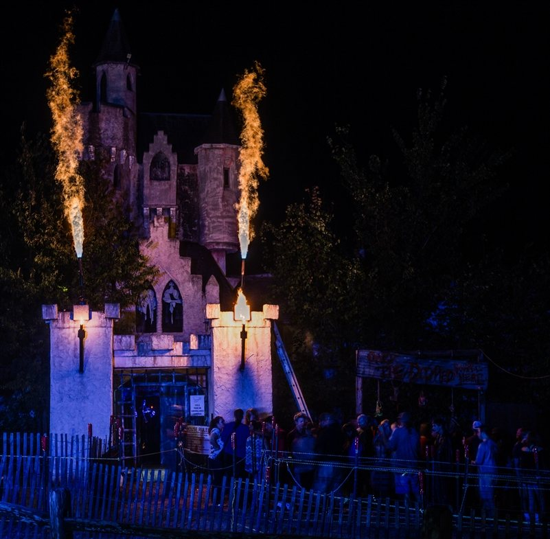 find out whats in store this halloween season at screams halloween theme park