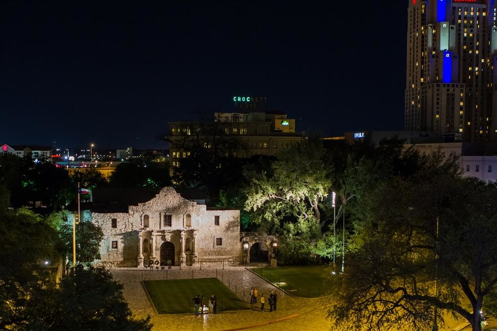 essay magazine san antonio tx 32 reasons to love san antonio (right now) how do we love thee  this article appears in the february 2014 issue of san antonio magazine don't miss a story.
